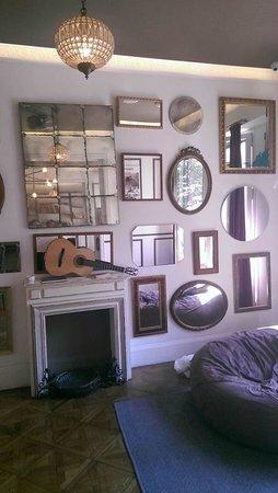 Casa Gracia Barcelona Hostel: Lounge area