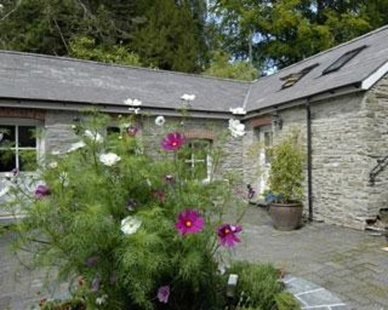 Rhosygilwen: Outside Cottage Rooms