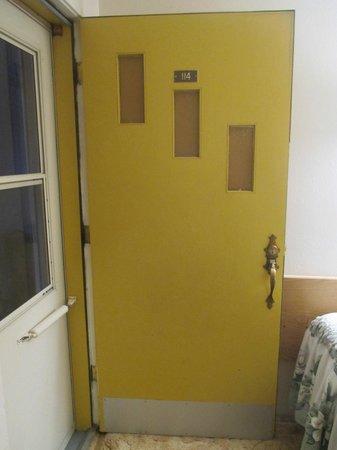 Siesta Motel: Front Door