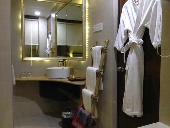 Pipal Tree Hotel : Bathroom