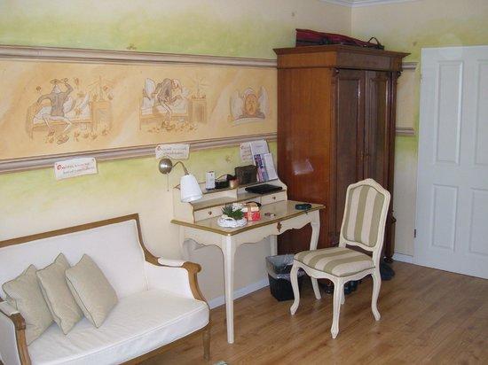 Hotel Wilhelm Busch : Zimmer mit Bildergeschichte