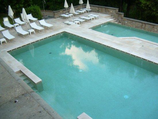 Villa Le Maschere : piscina de verano