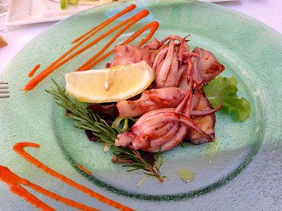 Trattoria da Sandro: grilled calamari