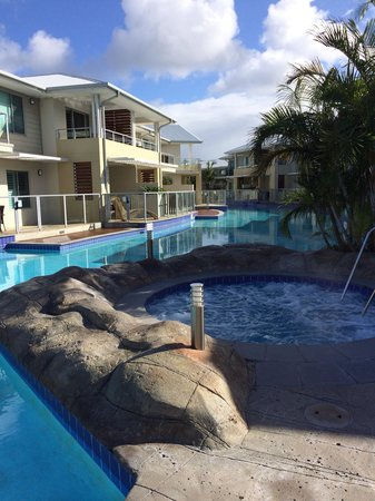 Oaks Pacific Blue Resort Salamander Bay: Outdoor but heated spa. We used it in winter (start of winter).
