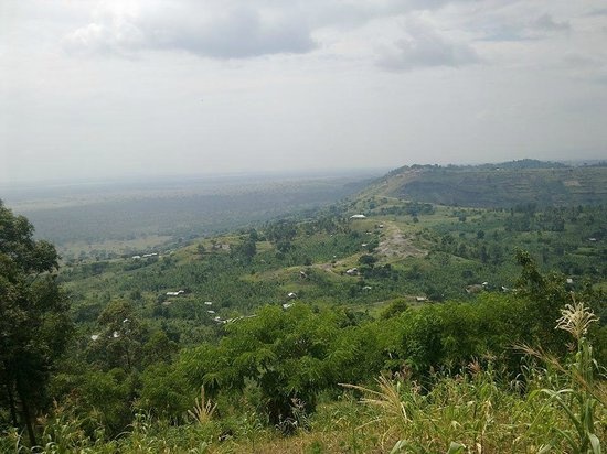 Craters Campsite: Standing at Kansenene hill, overlooking Kyangabi & Kyansama