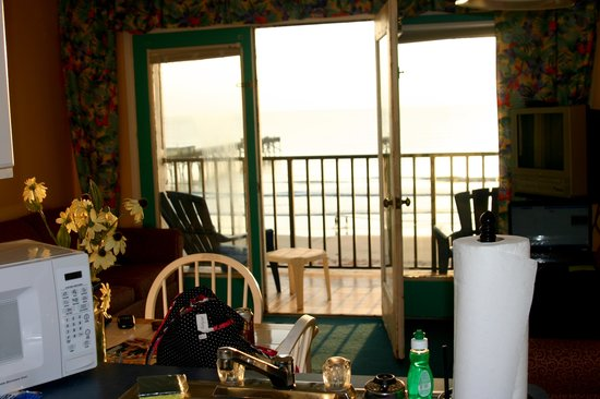 Beach Quarters Resort: View from the kitchen
