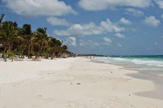Xamach Dos: beach