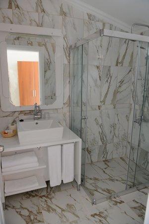 Turquoise Hotel : Bathroom