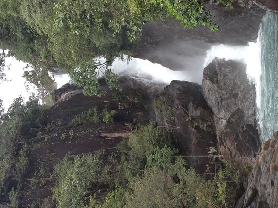 Klong Plu Waterfall: Look how beautiful she is