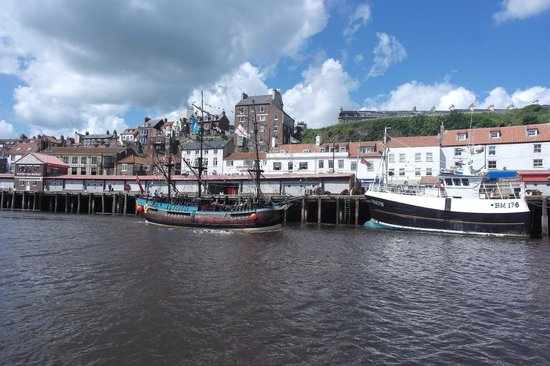 Whitby Harbour: Pirate ship in harbour