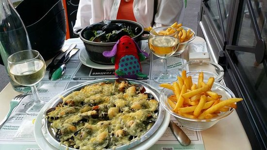 Léon de Bruxelles - Paris / St Germain : Mussels - steamed and with cheese