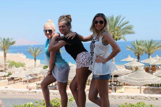 Hilton Sharks Bay Resort: Наше женское трио)