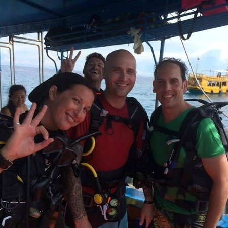 Scuba Junction Diving Co. Ltd: Me, Clint and Instructor Keli aboard the