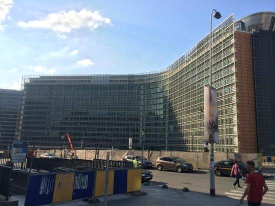 Aloft Brussels Schuman Hotel: metrostation Schuman/EU