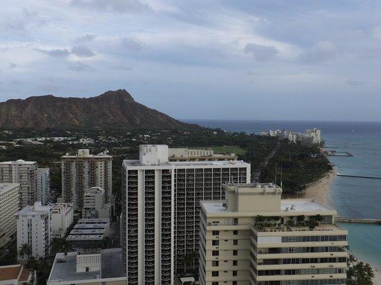 Aston Waikiki Beach Tower: キッチンから見えるダイアモンドヘッド