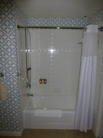 Kimpton Hotel Monaco Seattle: Bathroom