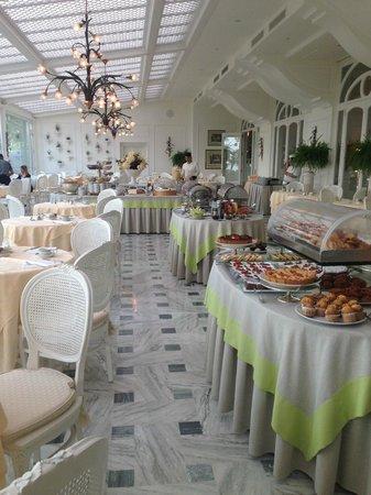 Grand Hotel Royal: Breakfast room