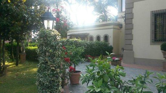 Villino il Leone: Particolare del giardino