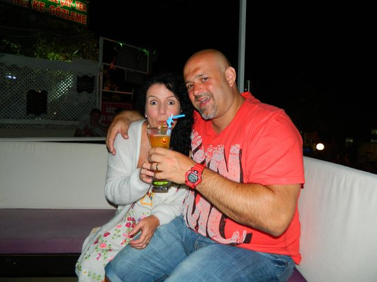 Mojito Bar Oludeniz: Me and the wife drinking cocktails