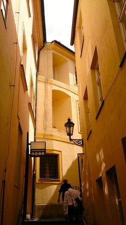 Avantgarde Prague Tours : Ruelle dans Stare Mesto
