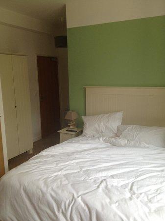 Inter-Hotel de la Plage : Chambre rénovée avec grand lit