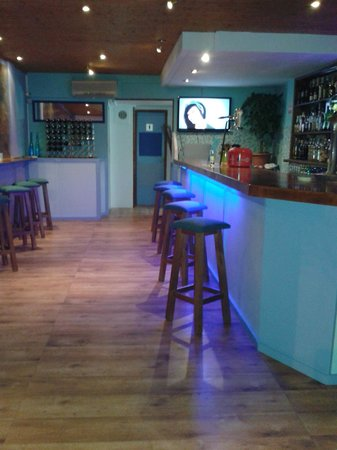 La Bahía: New bar lights and TV