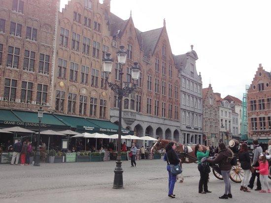Grand-Place : Piazza mercato