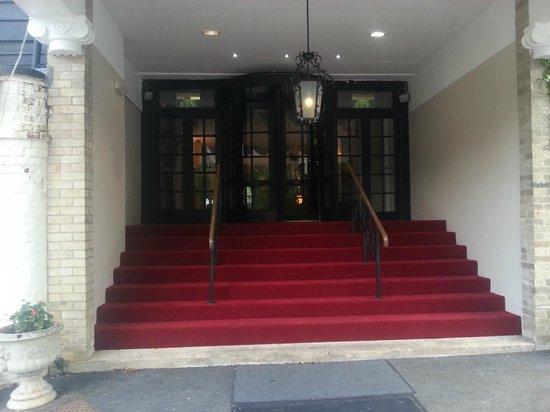 Caistor Hall Hotel: Main entrance