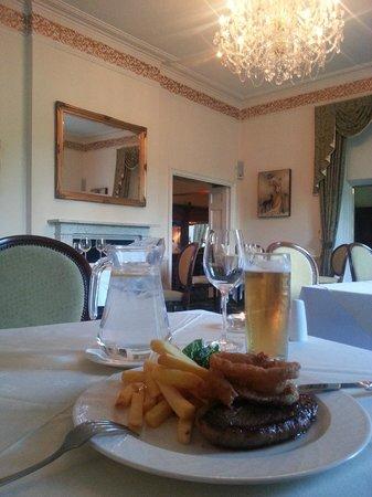 Caistor Hall Hotel: Dining room