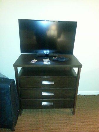 Universal Palms Hotel: TV