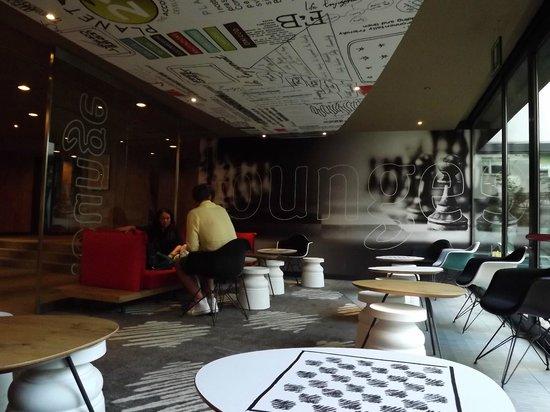 Ibis Milano Centro: part of the lobby