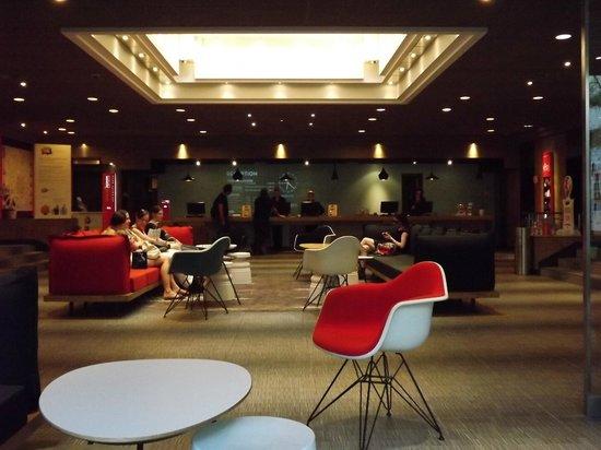 Ibis Milano Centro: lobby