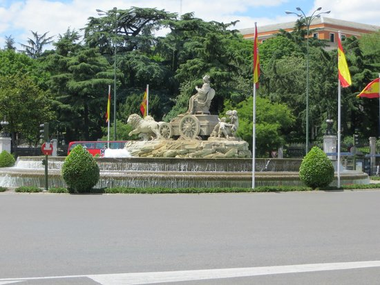 Paseo del Prado: Cibeles Fountain on the Paseo : Celebration Assembly Point for Real Madrid Fans