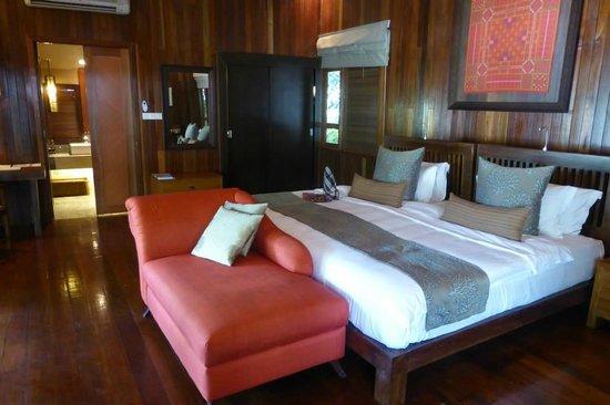 Bunga Raya Island Resort & Spa : Deluxe Room Interior