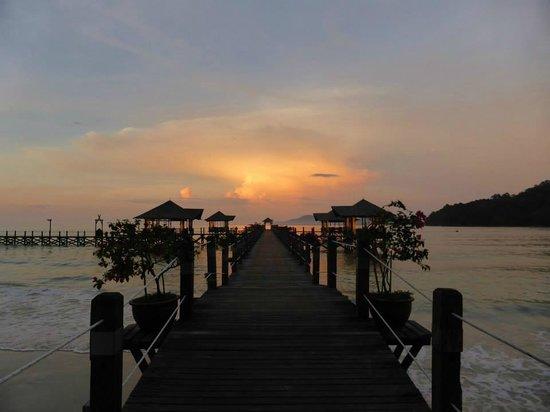 Bunga Raya Island Resort & Spa: Sunset on the jetty