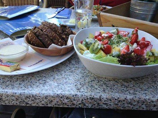 Stads-koffyhuis: Delicious salad!