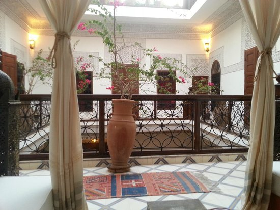 Riad Les Nuits de Marrakech: Intérieur du riad, 1er étage