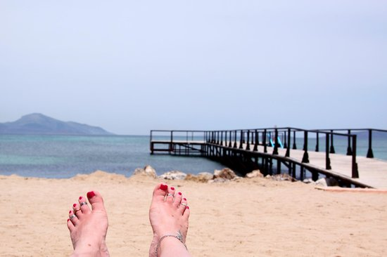 Mastichari Bay Hotel: Hotel beach and one of the two piers