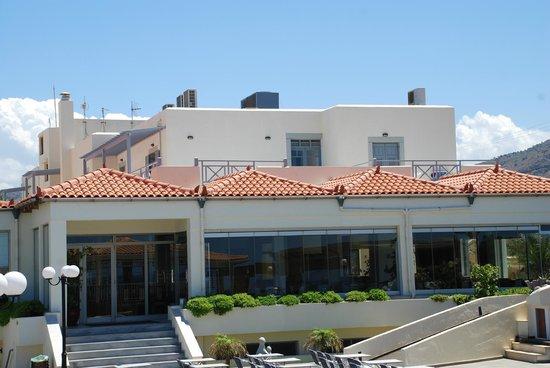 Europa Beach Hotel: Budynek hotelowy widok