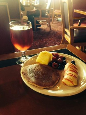 Rocky Gap Casino Resort: Sunday Brunch