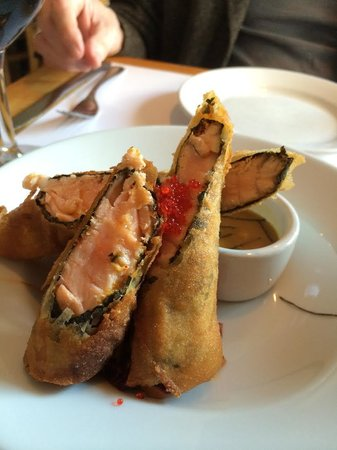 The House : Deep-fried Salmon Roll