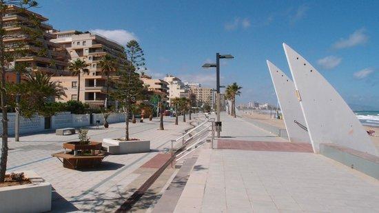 Playa de Morro de Gos: Promenade