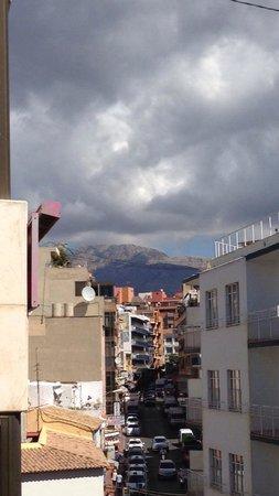 Estudios Benidorm : Mountain view from room 302 (block 2)