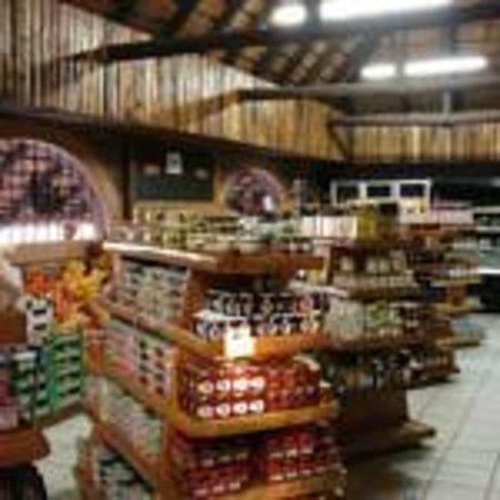 Mangela Animal Touch Farm: Curio Shop