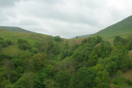 Castle Campbell : View from the top of Castle Cambell to the surrounding hills