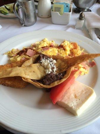 Quinta Real Aguascalientes: Desayuno al cuarto