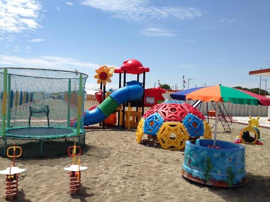 Parco giochi.. - Foto di Bagno Giada, Lido delle Nazioni - TripAdvisor