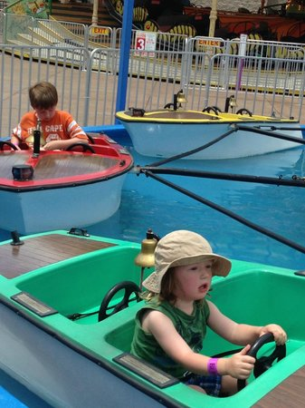 Broadway at the Beach: Driving Boats