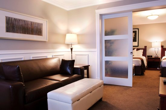 Willow Bend Motel: Family Suite with Privacy Doors