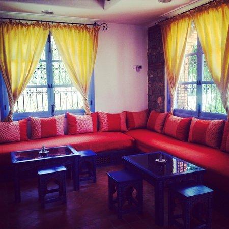 Hotel Alkhalifa: Entry